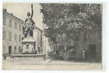 83 BESSE SUR ISSOLE , STATUE DE LA LIBERTE ET PLACE DE LA REPUBLIQUE , VOITURE