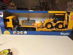 Bruder  Yellow Semi Flatbed Truck Bruder NEW TOY JCB 4CX Backhoe Loader HUGE