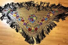 PIANO SHAWL. EMBROIDERY MANUAL. COTTON ON RED SATIN NET. SPAIN. XIX-XX