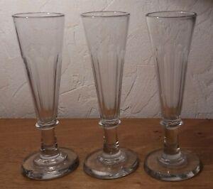 lot de 3 verres en CRISTAL très anciens XVIII ième ? flûtes à champagne /vin eau