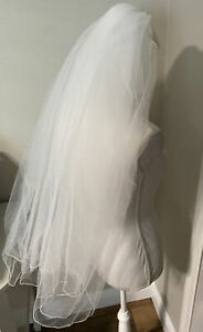 White Bridal Wedding veil with comb Two Tier Rope Edge Full Center Cascade EUC