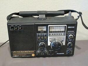 Panasonic 8 Band RF-2200 World Wide Short-Wave Receiver Radio