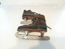 Vintage Beaver Canadian Hockey Ice Skates Home Decor Acorn Black