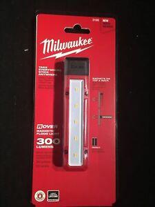 Milwaukee 2108 Rover Magnetic LED Flood Light 300 Lumens Brand New