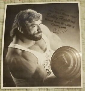 WORLD ARM WRESTLING CHAMPION BOBBY HOPKINS ORIGINAL AUTOGRAPH ON PRINTED PHOTO