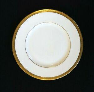 Beautiful Royal Doulton Royal Gold Salad Plate