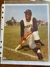 ROBERTO CLEMENTE Pittsburgh Pirates 8x10 reprint Photo !!