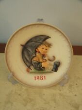 """collector Hummel  """" rainy day"""" 1981 Plate NEW CONDITION- ONE OWNER FROM FAMILY"""