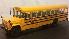 MODELLINO AUTOBUS IN SCALA 1:43 - GMC 6000 SCHOOL BUS 1989 -