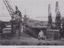 1958  --  LE PORTE AVION CLEMENCEAU DANS SON BASSIN DE MISE A L EAU   3E824