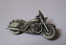 pin's Harley Davidson / moto (double attache) longueur: 5,9 cm