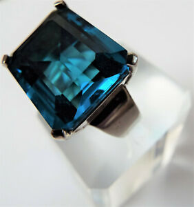 Contemporary Sterling Silver Aquamarine Blue Paste Ring
