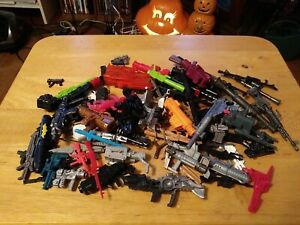 HUGE LOT OF ACTION FIGURE WEAPONS & ACCESSORIES ~GI Joe & Others~ 100ish pieces