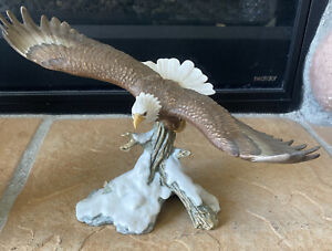 Crystal Cathedral Eagle Club - Snow Eagle 1996 Statue - Missing Foot** See Pic