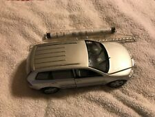 1-18 Scale - Welly Volkswagen Touareg Alloy Diecast Model Car (Silver)No.2532