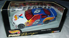 98 Mark Martin #6 Hot Wheels Pro Racing 1:24 Valvoline NASCAR Stock Car