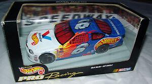 98 Mark Martin #6 Hot Wheels Pro Racing 1:24 Valvoline NASCAR Stock Car