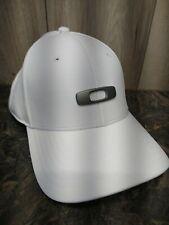 OAKLEY Mens TINCAN Carbon Fiber Ellipse 3D Logo White Stretch Fit Cap Hat S/M