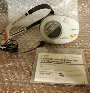 SONY SRF-M85V WALKMAN S2 Sport  Radio w/ Belt Clip and Headphones *NEVER USED*