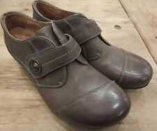 Taos Rhumba Grey Brown Clog Shoes Leather womans sz 9,40 New