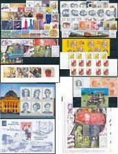 België: 2001 volledig jaar** uiterst postfris. Met 4 Boekjes en 6 blokken