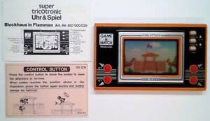 FIRE ATTACK GAME & WATCH 1982 - incl. manual - GREAT CONDITION / TOP - Nintendo