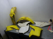 Suzuki RMZ250 RMZ 250 Body work fairings panels mudguard 2004 (04 05 06) RM22