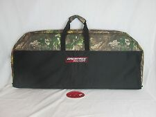 Greatree 42 in. Padded compound bow case soft black & Camo