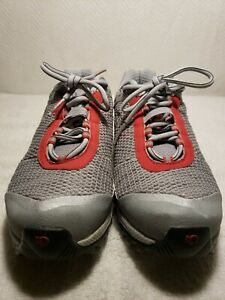 Pearl Izumi Women's Gray and Red Sport Shoes Clip in Cycling Size 8 (40 Eur)