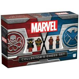 Marvel Collector's Chess Set    Ages 8+ 2 PLAYERS 60+ MINUTES