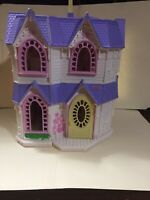 """Fisher Price 2003 Mattel """"Sweet Streets Victorian House"""""""