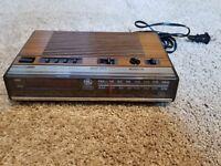 Vintage GE General Electric FM/AM Digital Alarm Clock Radio Red Display 7-4624B