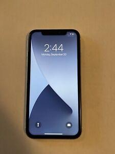 Apple iPhone XR White - 64GB - Unlocked