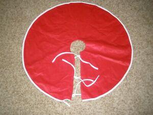 """Christmas Tree Skirt 34"""" Red White Reversible Velvet Shimmer Wondershop Target"""