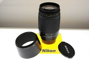Nikon AF-Nikkor 70-300mm f/4-5.6 G auto focus zoom lens. In MINT- cond. +hood