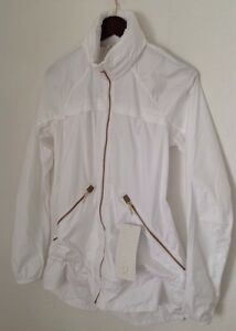 LULULEMON NWT Miss Misty II Stow N Go Packable Rain Jacket Run 10 White/Gold NWT