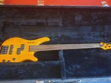 Tanglewood Rebel Fretless Electric Bass Guitar with case