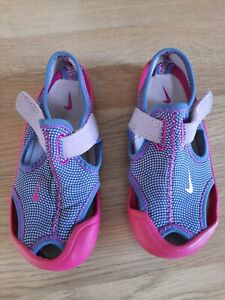 Kids Girls NIKE size 9 Sunray Protect Water Beach Sandals Shoes pink blue
