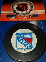 VINTAGE NEW YORK RANGERS OFFICIAL TRENCH MFG. NHL HOCKEY PUCK SLOVAKIA NEW