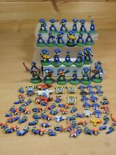 COLLECTION OF 25 CLASSIC METAL SPACE MARINES PAINTED SOLD AS SEEN (1347)