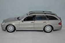 Minichamps 1:43  Mercedes-Benz E-Klasse T-Modell in mint condition