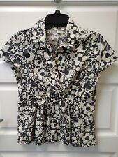 WOMENS - sz XS OLD NAVY gray & white short sleeve swirl shirt v neck, pleated