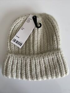 Urban Outfitters Chunky Knit Cream Beige Beanie Hat - One Size BNWT RRP £16