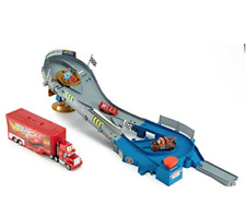 DISNEY CARS Piston Cup Speedway Bundle