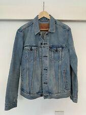 Men's vintage distressed style Levis trucker denim jacket Medium