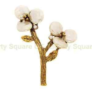 Mother of Pearl Flower Brooch / Burnished Gold Flower Brooch / Broach  #476