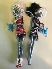 Monster High Zombie Shake Meowlody And Purrsephone Dolls Cat Werecat Sisters