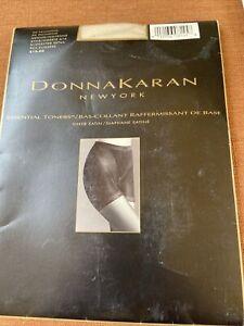 Donna Karan New York DK Palomino Pantyhose NOS Medium Essential Toners New