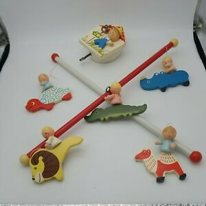 Crib Mobile. Zoo Animals. Musical. Wooden. Hand Painted. No chips. Works.Vintage