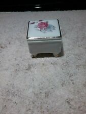 "SMALL 2"" KAREN CARSON WHITE SQUARE PORCELAIN VOTIVE CANDLE HOLDER/TRINKET BOX"